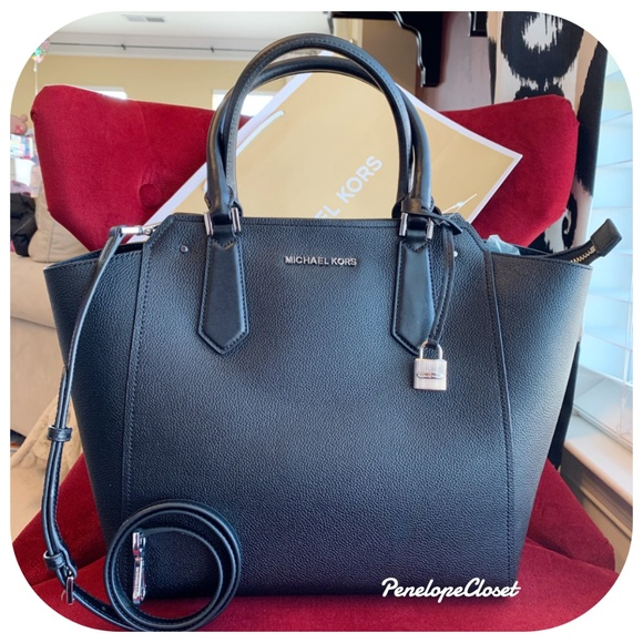 cca66121463e Michael Kors Bags | Large Hayes Ns Tote Bag In Black | Poshmark